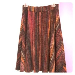 Dresses & Skirts - Excellent skirt size S dress up or down comfy
